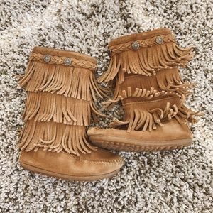 Toddler Girl Size 9 Fringe Minnetonka Boots